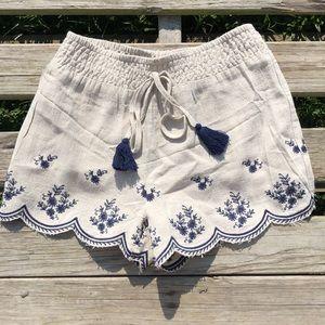 Moon River Boutique Scallop Shorts